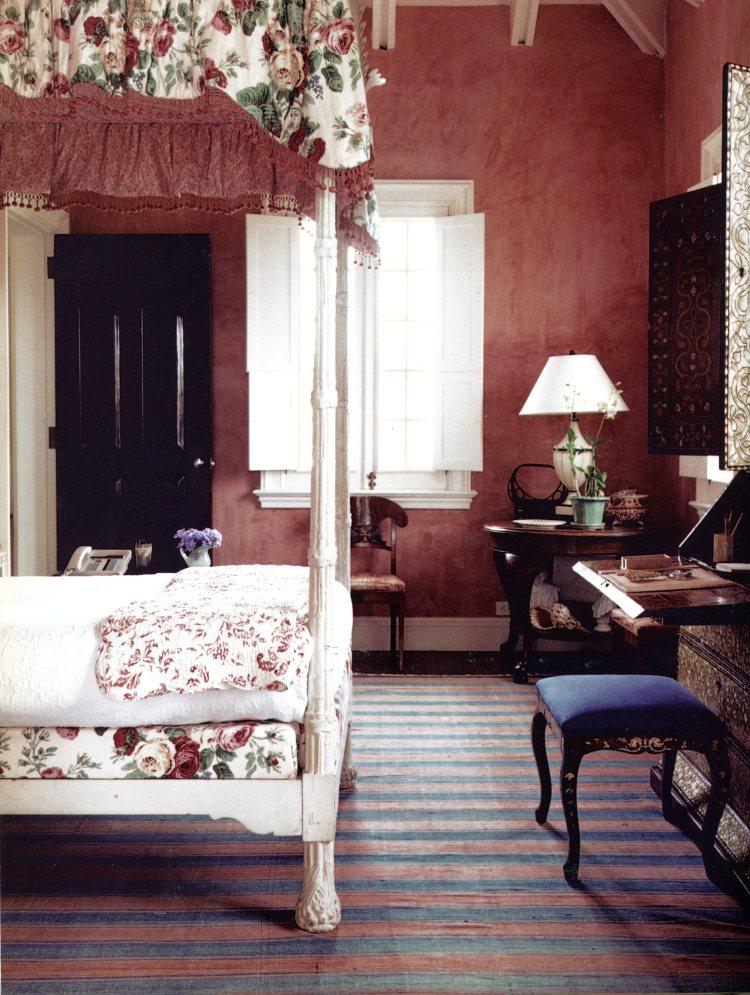 Guest bedroom in Oscar de la Renta's home in Santo Domingo